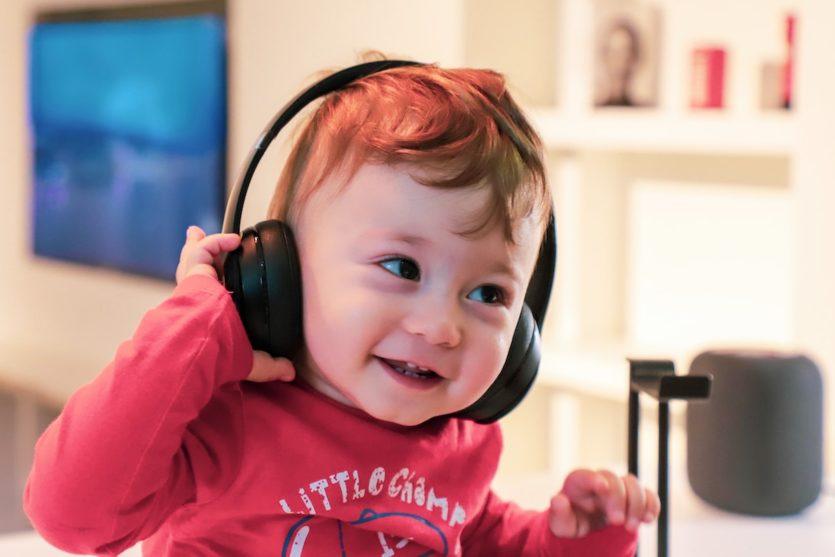 Jak odróżnić dobrą muzykę dziecięcą od złej?